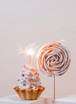 Kuchen torte weiß set segel champagner lieferung wunderkerze kracher