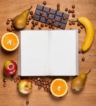 Küche. kochbuch und essen
