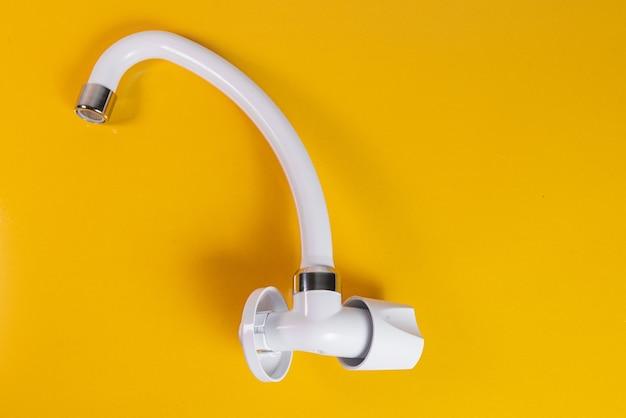 Küchenarmatur weiß - nahaufnahme