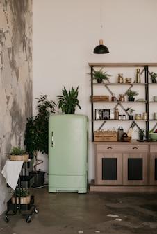 Küchenausstattung mit vintage-kühlschrank