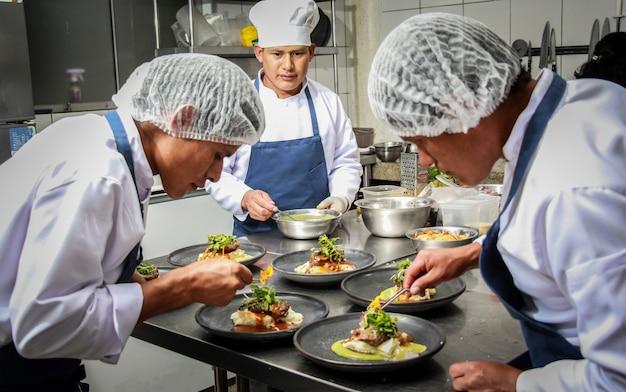 Küchenchef in aktion - 6