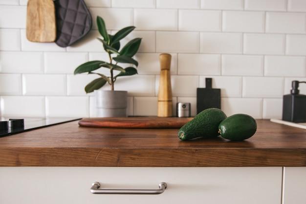 Küchenmessing utensilien, kochzubehör.
