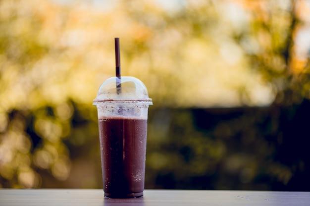 Kühle kakaobilder, gesundes lebensmittel, konzepte der gesunden ernährung mit kopienraum