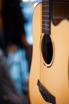 Kühler vintager retro gitarrenartabschluß oben