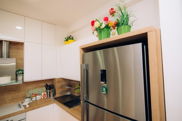 Kühlschrank in der küche