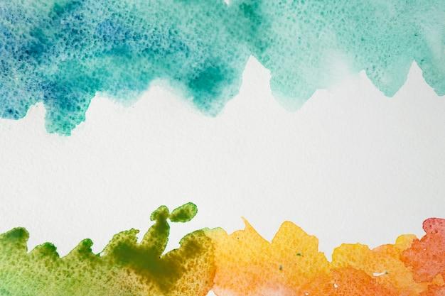 Künstlerische bunte aquarellpinselanschläge