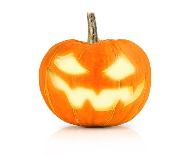 Kürbis für halloween auf weißem hintergrund isoliert