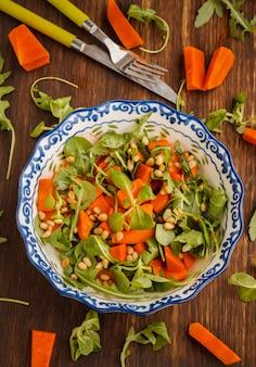 Kürbissalat mit kräutern