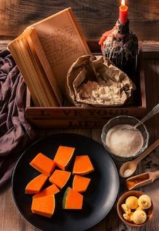 Kürbisstücke mit zucker und gewürzen