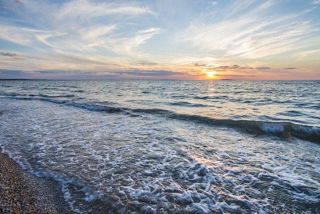 Küste bei sonnenuntergang
