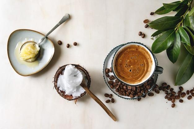 Kugelsicherer kaffee mit butter