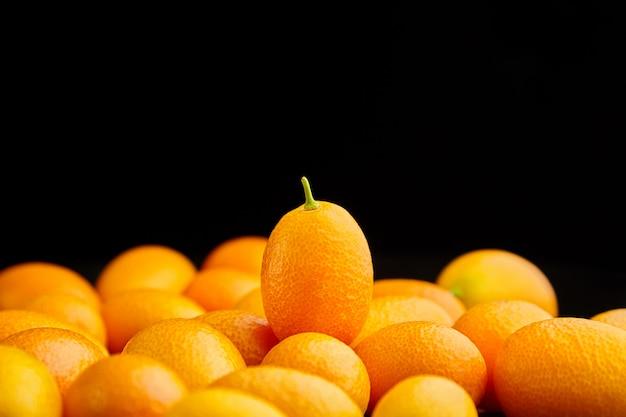 Kumquat, kleine ovale zitrusfrüchte, nagami-sorte