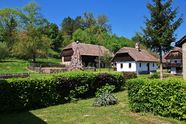 Kumrovec ist ein traditionelles kroatisches dorf in kroatien