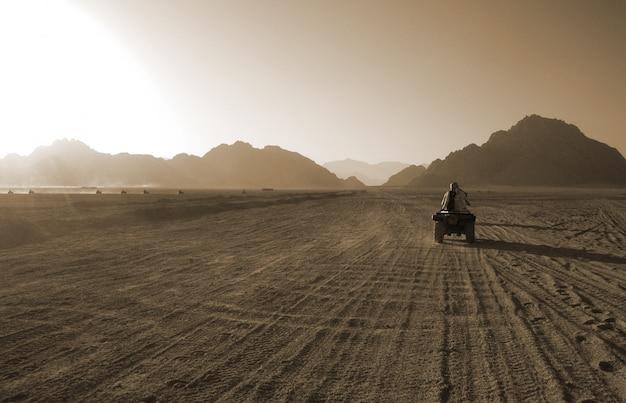 Kundgebung in der wüste