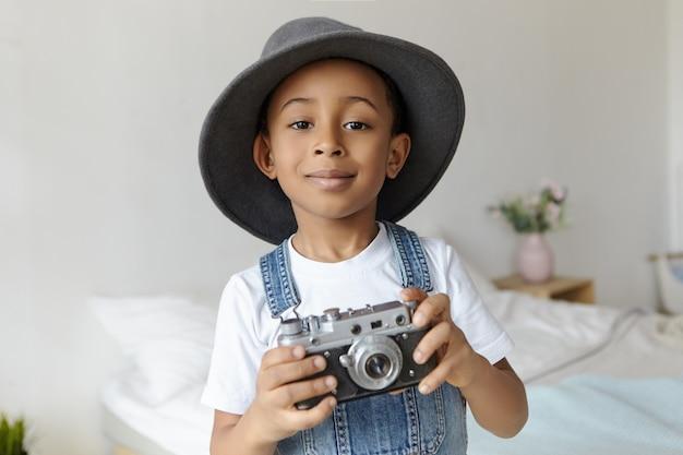Kunst-, technologie-, hobby- und kindheitskonzept Kostenlose Fotos