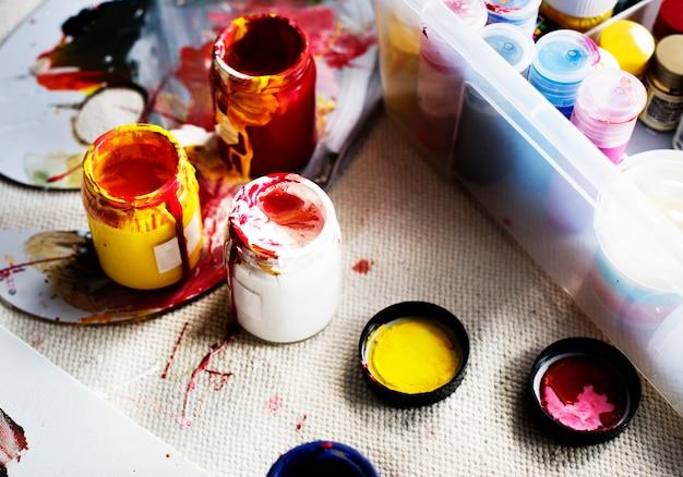 Kunstfarbe färbt ausrüstungshobbyfreizeit