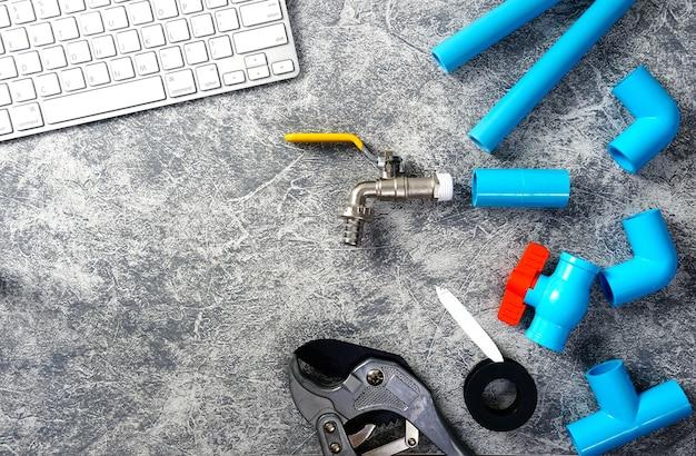 Kunststoffrohre für das wassersystem rohrschneidwerkzeug wasserhahn smartphone-tastatur rohrdrei