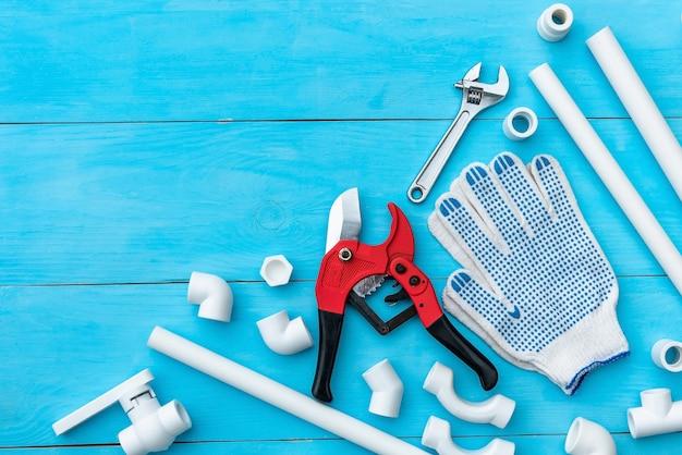 Kunststoffrohre für das wasserversorgungssystem, rohrschneiden und werkzeuge
