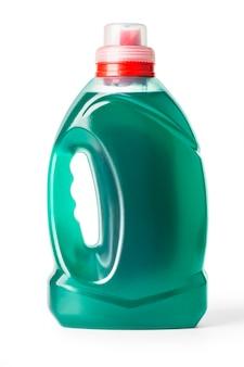 Kunststoffwaschmittelbehälter auf weiß