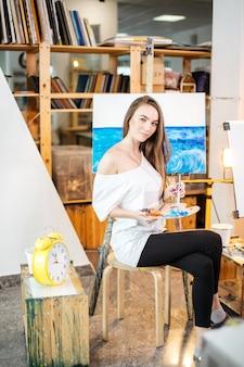Kunsttherapiekurse im workshop.
