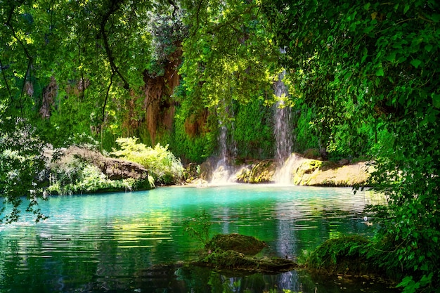 Kursunlu wasserfall im naturpark