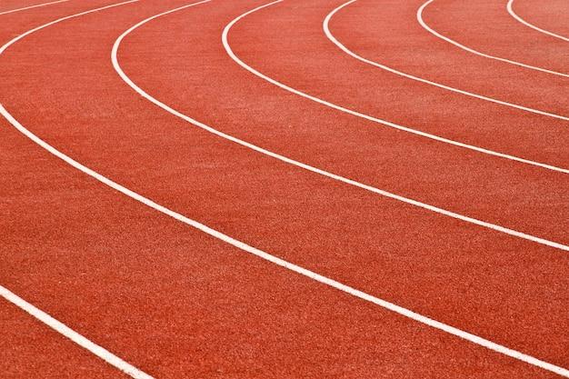 Kurvenbahnen einer roten rennstrecke