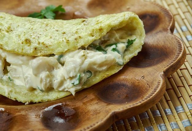 Kuyrylgan - baschkirische fischsalat-omelette