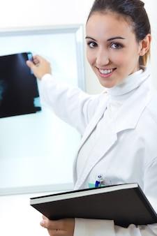 Laborarzt fröhlich pflegerin