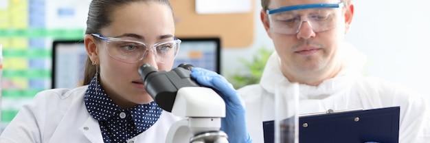 Labortests an substanzen