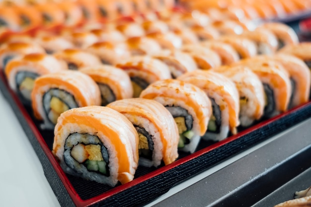 Lachs roll sushi