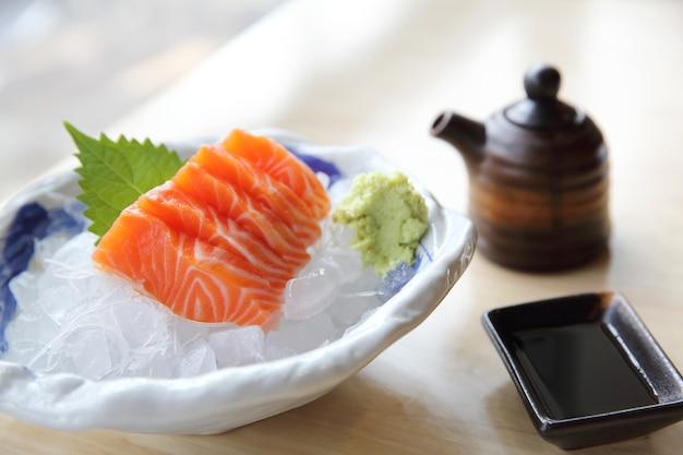 Lachs-sashimi