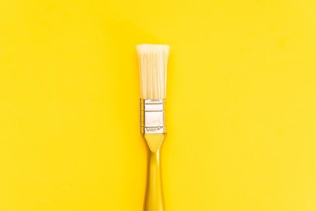 Lackpinsel getrennt mit ausschnittspfad