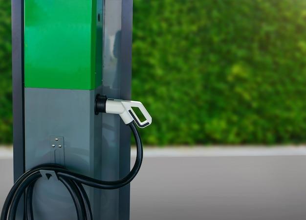 Ladestation für elektroautos für die stromerzeugung von neuwagen