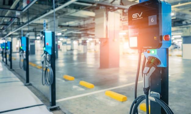 Ladestation für elektroautos zum laden der ev-batterie stecker für fahrzeuge mit elektromotor