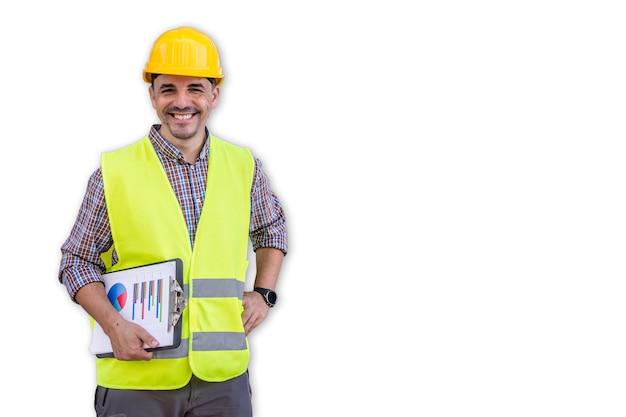 Lächelnder arbeiter in reflektierender weste und gelbem helm auf weißem hintergrund