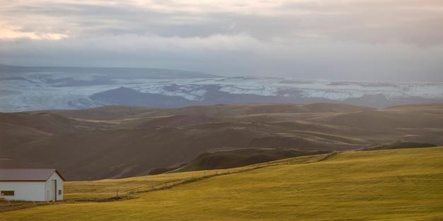 Ländliche landschaft, rolling hills, glazial- gebirgszug