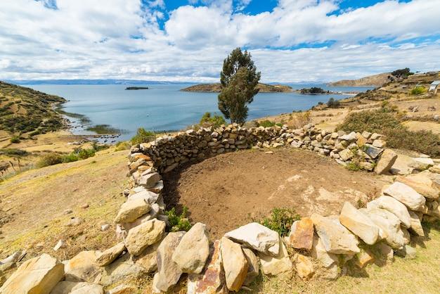 Ländliche siedlungen auf der insel der sonne, titicaca-see, bolivien
