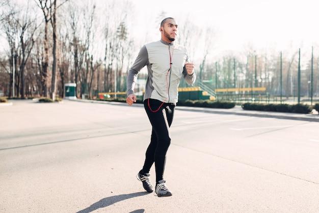 Läufer in bewegung, speedrunning, gesunder lebensstil