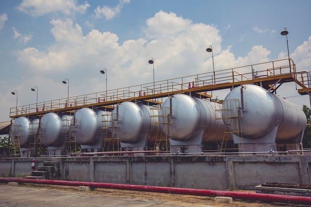 Lagerung von heizöl in den liegenden tanks und rohrleitungen