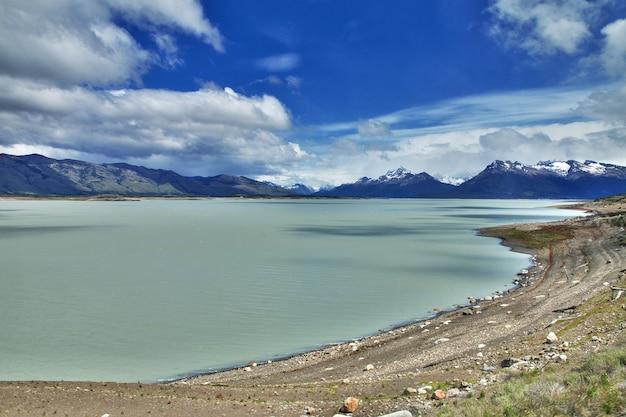 Lago argentino see in der nähe