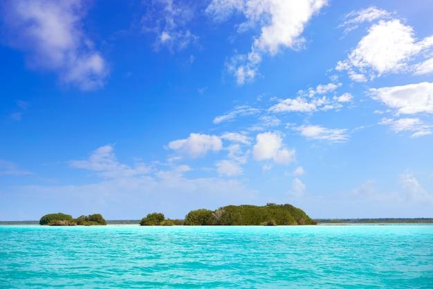 Lagune de bacalar lagune in maya mexiko