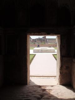 Lahore fort shahi, kontrast