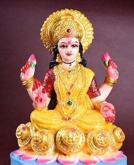 Lakshmi - hindu-göttin, göttin lakshmi. göttin lakshmi während der diwali-feier. indisches hindu-licht-festival namens diwali