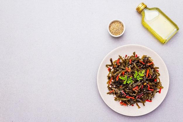 Laminaria-salat (seetang)