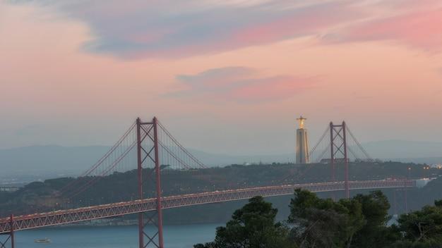Landschaft auf der brücke 25. april lissabon portugal