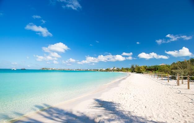 Landschaft auf der karibischen tropischen insel