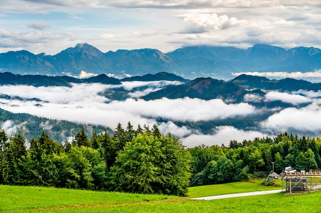 Landschaft der julischen alpen in slowenien
