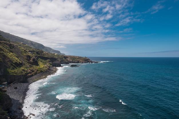 Landschaft der nord-teneriffa-inselküstenlinie, kanarische inseln, spanien.