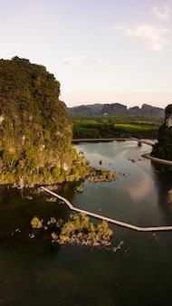Landschaft des berges in der krabi-provinz thailand
