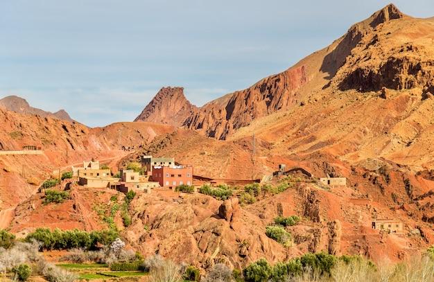 Landschaft des dades-tals im hochatlasgebirge - marokko